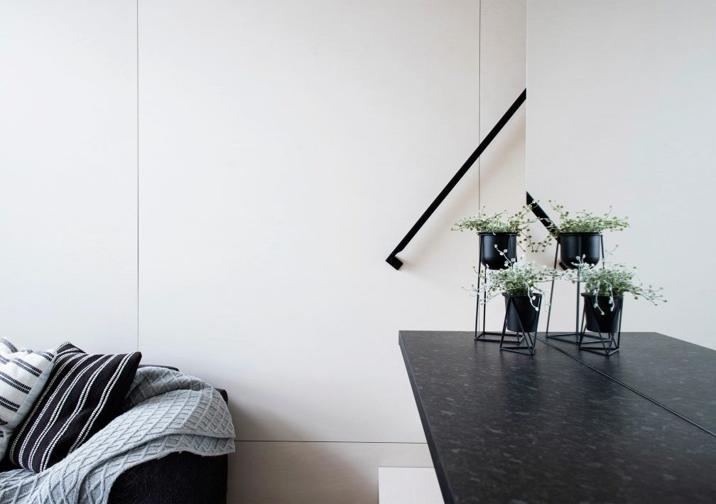 KODA-Light-living-space-mirror_GetterKuusmaa